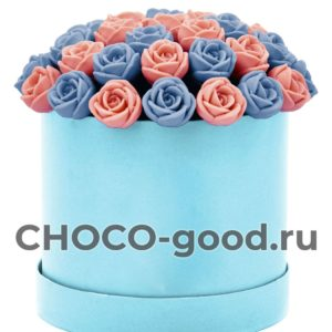 купить шляпную коробку из тридцати семи шоколадных роз